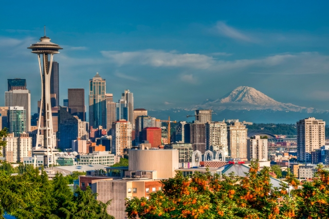 space-needle-rainier-skyline-22
